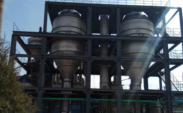 双效MVR蒸发器安装进行时.jpg